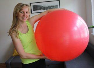 Po Übungen mit Gymnastikball