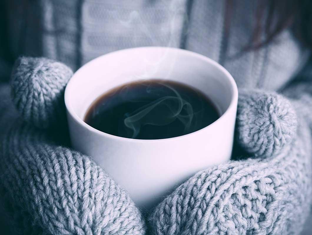 Heiße Getränke im Winter: Kalorienbomben im Check