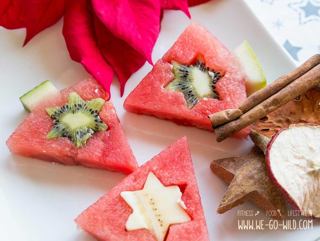 gesundes weihnachtsdessert mit obst