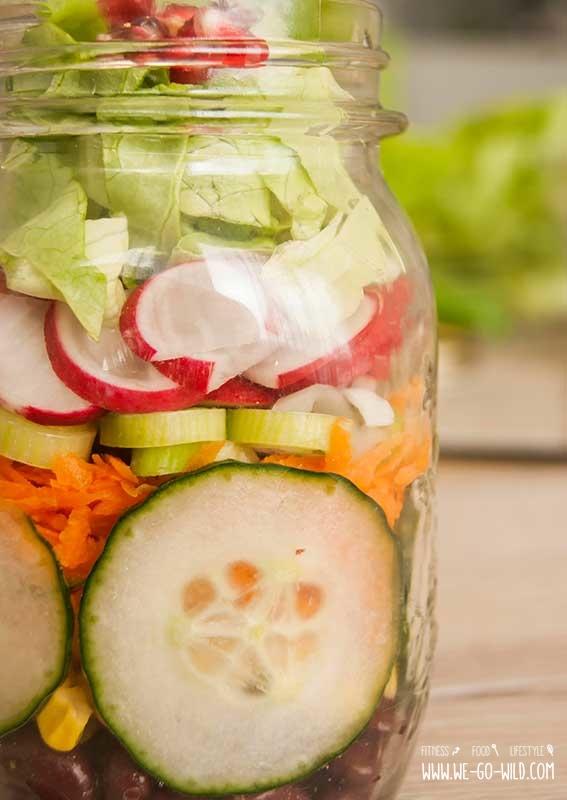 salat im glas leckere und einfache rezepte f r unterwegs. Black Bedroom Furniture Sets. Home Design Ideas