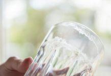 glaskorrosion entfernen mit salz und essig