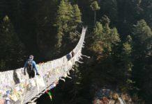 nepal trekking hillary bridge