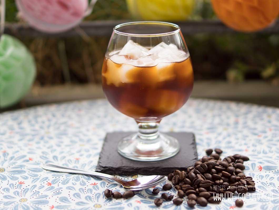 Kalorienarmer Eiskaffee selber machen