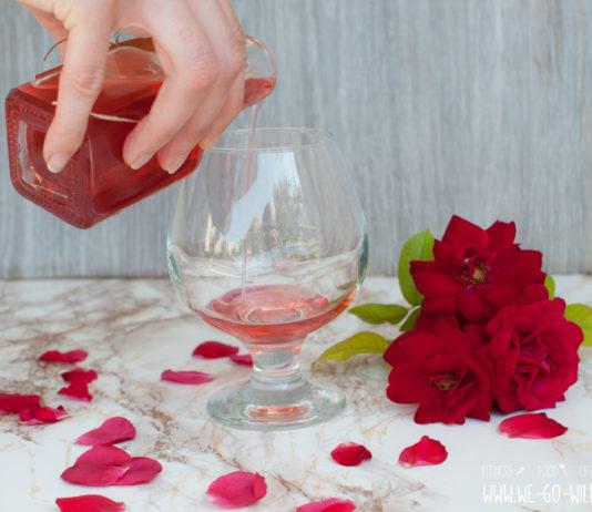 Rosensirup machen mit Xylit (Birkenzucker)