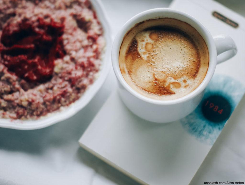 Kaffee erschwert die Eisenaufnahme und fördert Eisenmangel