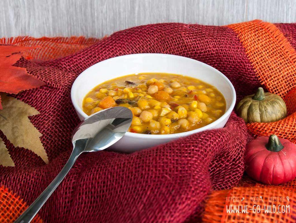 Kürbisgulasch vegetarisch: Mit Kichererbsen, Bohnen und Ingwer