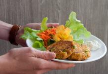 Vegane Kichererbsen Bratlinge mit Süßkartoffel und Ingwer