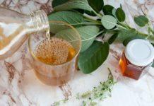 Wirksamer Hustensaft hausgemacht mit Kräutern und Honig