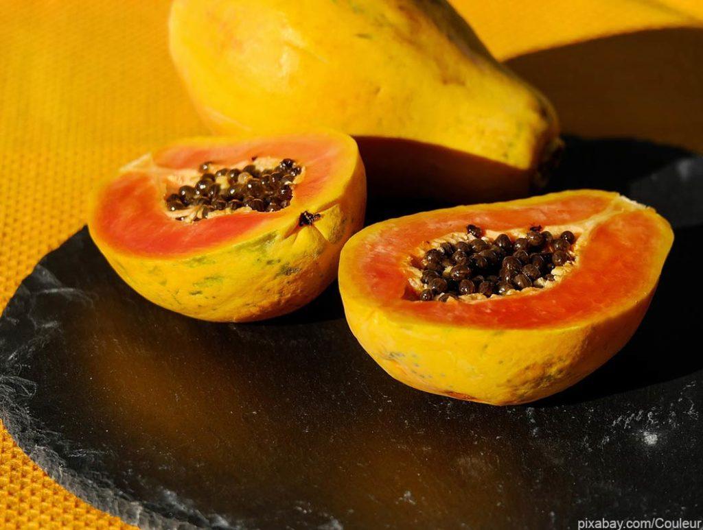 Papaya enthält sehr viel Vitamin C