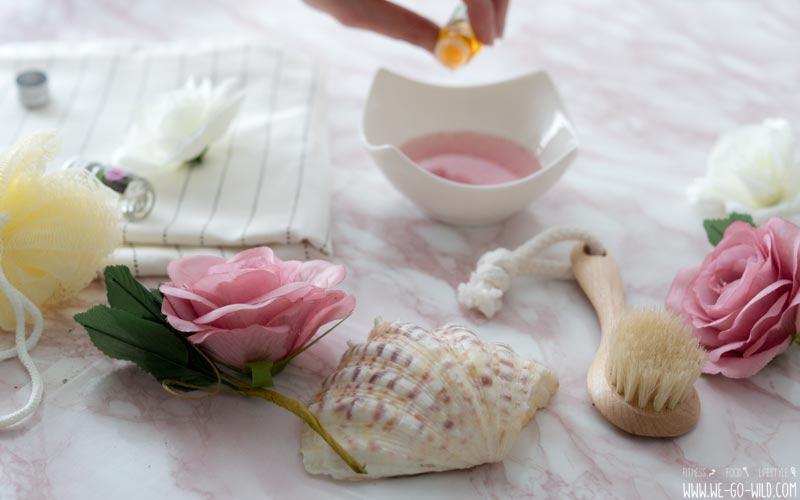 bade l selber machen 3 duftende und einfache rezepte f r badezusatz. Black Bedroom Furniture Sets. Home Design Ideas