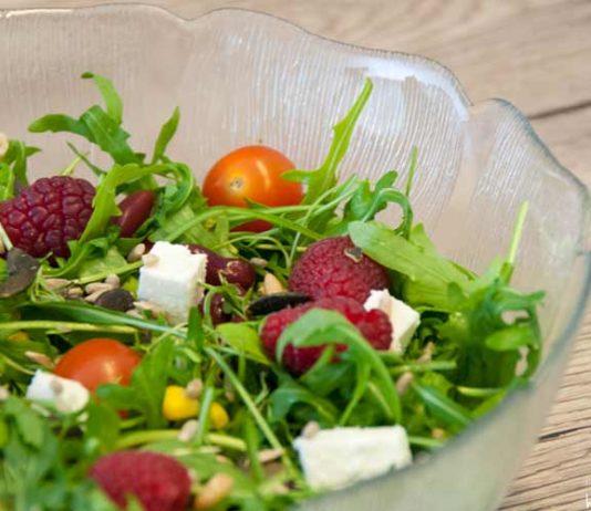 Salat Rezepte zum Abnehmen mit Himbeeren und Feta