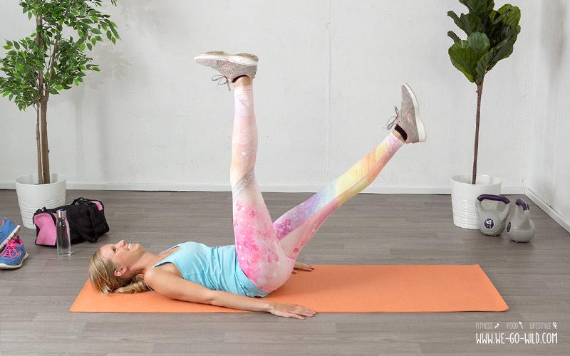 Beintraining zuhause: Die Schere für trainierte Beine und Bauch