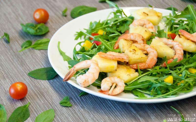 Abnehmen ohne Hunger: Garnelenspieße mit Salat