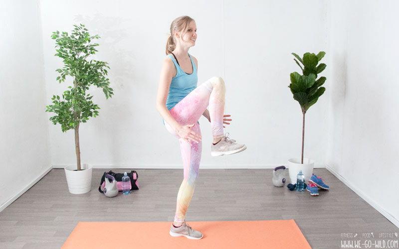 Knie heben: Eine der effektivsten Po Übungen